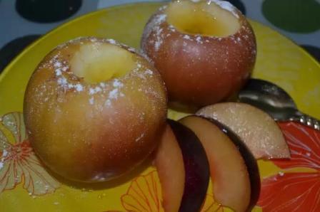 Печеные яблоки в мультиварке рецепт