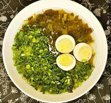 Щавелевый суп в мультиварке «Редмонд»